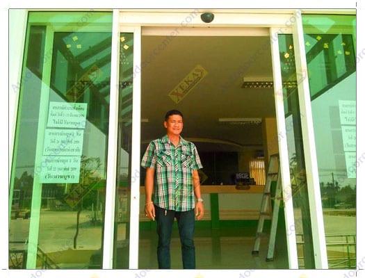 บานประตูอัตโนมัติแบบบานเลื่อนคู่ สหกรณ์การเกษตรสุโขทัยธานี